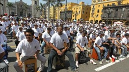 personas-record-Guinnes-Lima-peruano_EDIIMA20130414_0002_4